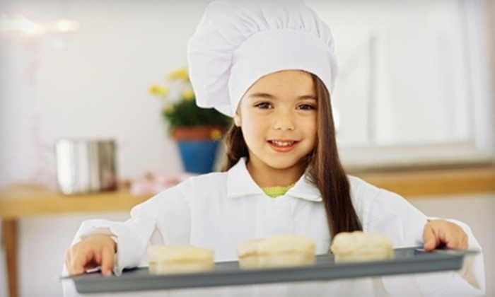 Chefs 2b - Atasca Woods: $22 for Kids' Cooking Class at Chefs 2b in Humble ($45 Value)