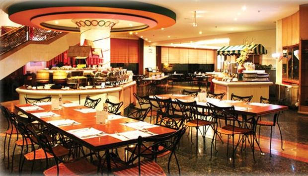 Malacca: Equatorial Hotel + Coach 2