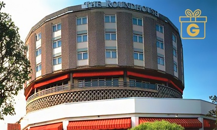 Bournemouth: 1 Night for Two with Breakfast and Option for Dinner and Bottle of Wine at Roundhouse Hotel