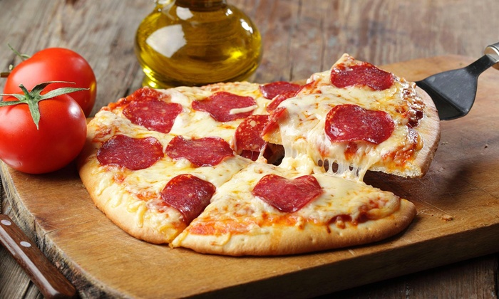 Campus Pit Stop - West Campus: Pizza Meal with Drinks for Four at Campus Pitt Stop (45% Off)