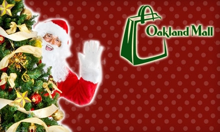 Oakland Mall - South John R Road: $10 for $20 Worth of Family Photos with Santa and Holiday Train Rides at Oakland Mall