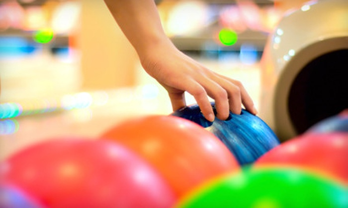 South Levittown Lanes - Levittown: $25 for Bowling Outing for Four with Pizza and Beverages at South Levittown Lanes ($55 Value)