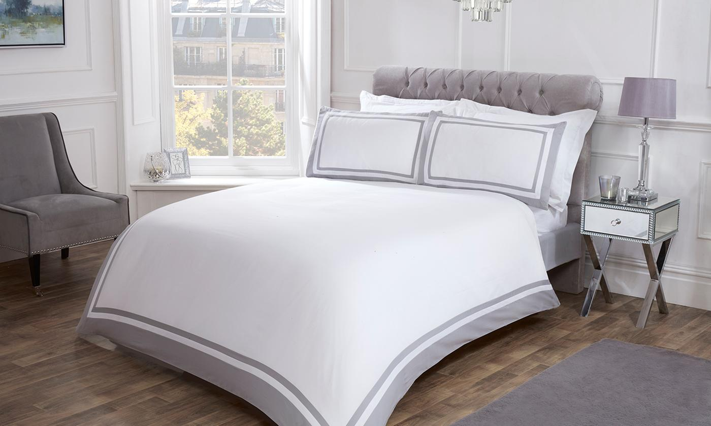 Pieridae 300TC Hotel Oxford Border Duvet Set for £25