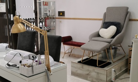 Sesión de manicura o manipedicura con opción a lifting de pestañas en Nailash Tf Studio (hasta 57% de descuento)