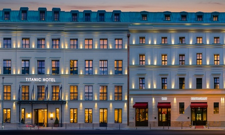 Berlin: Classic Double Room for Two with Optional Breakfast, Spa and Welcome Drink at Titanic Gendarmenmarkt Berlin