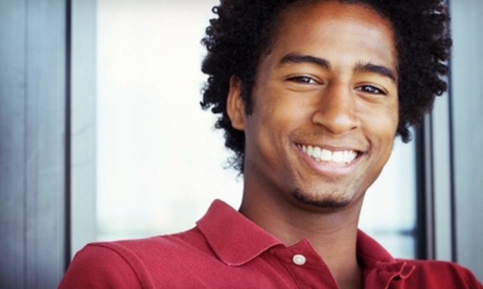 Right Dental Group - Jacksonville: $35 for a Dental Exam, Cleaning, and X-rays at Right Dental Group ($300 Value)