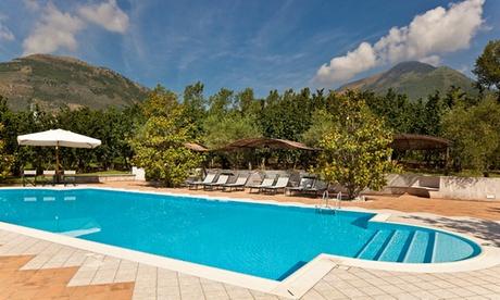 Sorrento: 1 notte in camera classic con colazione o mezza pensione e Spa per 2 al Villa Rizzo Resort and Spa