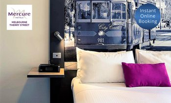 Melbourne: 4* CBD Stay with Breakfast