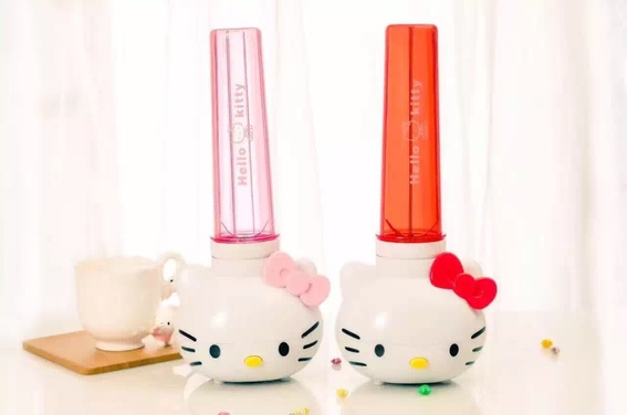 Kitty In A Blender ~ Off for hello kitty juicer and blender worth