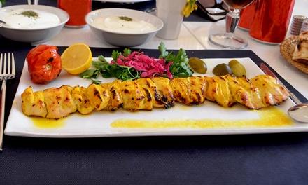 Menú persa para 2 o 4 con entrantes, principal, postre, botella de vino y té persa desde 26,99 € en Restaurante Shiraz