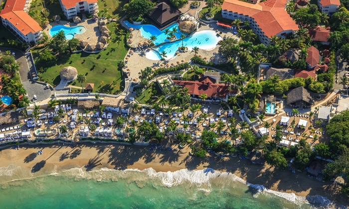 All-Inclusive Stay for 2 at The Tropical at Lifestyle Holidays Vacation Resort in Dominican Republic. Incl. Taxes & Fees