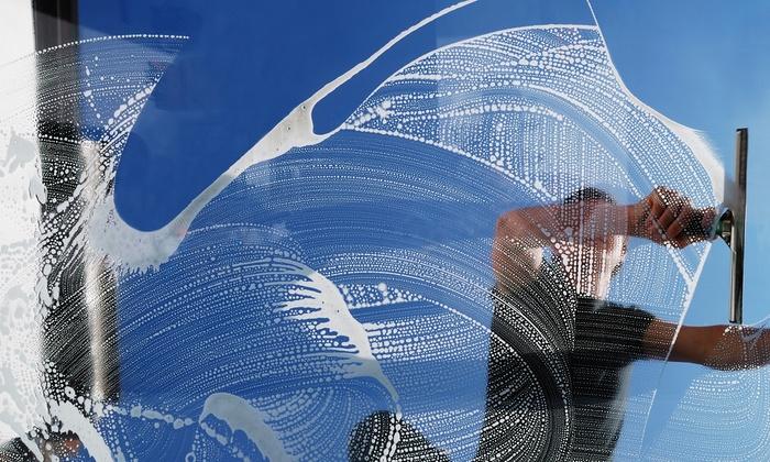 Petars Clean Gebäudereinigung - Berlin: Fensterreinigung von 10 oder 15 Fenstern inkl. Rahmen und Anfahrt bei Petars Clean Gebäudereinigung (bis zu 58% sparen*)