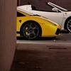 Conduce un Ferrari o Porsche