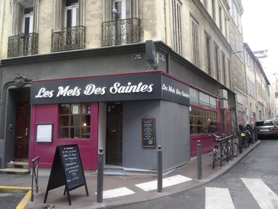 Apéritif suivi dun menu du Marché avec entrée, plat et dessert pour 2 à 39,50 € au restaurant Les Mets Des Saintes