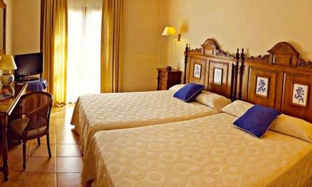 Úbeda: 1 o 2 noches para dos con desayuno, detalle y opción a cena en Hotel Sercotel Rosaleda de Don Pedro