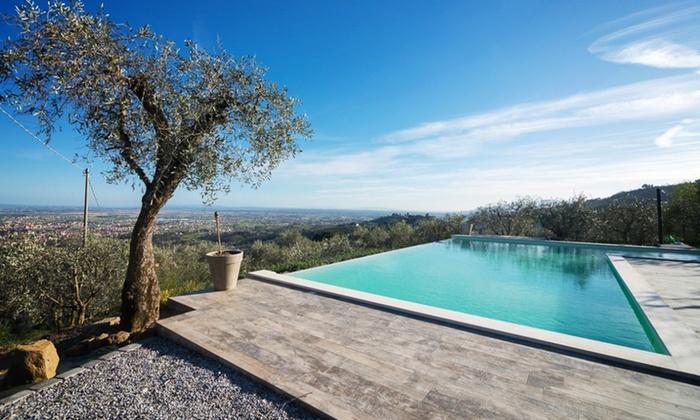 Podere Raffana Ecologic House - massa e cozzile: Toscana: Podere Raffanna, fino a 7 notti in matrimoniale o King con sauna/Loft/Superior e massaggi in camera per 2