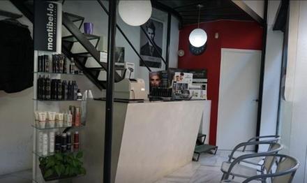 Sesión de manicura y/o pedicura con esmaltado semipermanente desde 9,90 € en Peluquería Ebanis