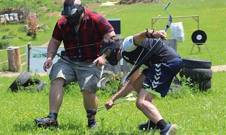 1 Std. Combat Archery Archery Tag für bis zu 10 Personen bei 23SpotsArchery
