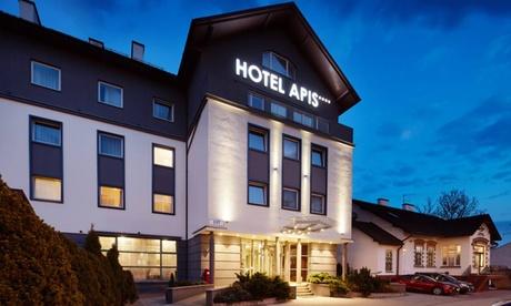 Cracovia: Confort o habitación doble de lujo o habitación triple con desayuno en el Hotel Apis