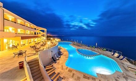 Sardegna: 7 notti per 1 persona in pensione completa e servizio spiaggia in uno degli Hotel o Resort di Liu Travel