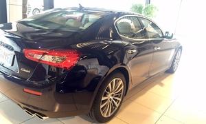 Frank Autonoleggio: Noleggio auto di lusso per matrimonio con conducente fino a 150 km con l'Autonoleggio Frank