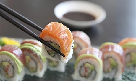 40 u 80 piezas de sushi para dos o cuatro con entrante y bebida para llevar o para tomar desde 24,95 € en Sushi Spa Oferta en Groupon