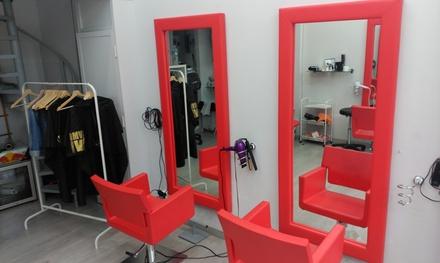 Sesión de peluquería completa con tratamiento específico y tinte y/o mechas desde 14,90 € en Peluquería Lisbeth