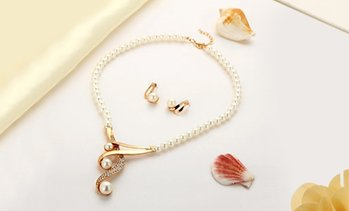 Up to 87% Off Pearl Necklace Sets from Novadab