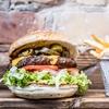 Burger inkl. Beilage und Limonade