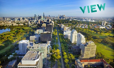 Melbourne: 1 or 2 Nights for Two with Breakfast, Food and Drink Vouchers and Late CheckOut at Melbourne Parkview Hotel
