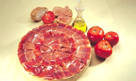 Menú para 2 o 4 personas con plato de jamón serrano, tabla de quesos variados, croquetones, montaditos, bebida y postre
