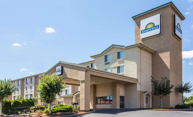 TripAlertz wants you to check out Stay at Days Inn Portland/Gresham in Portland, OR. Kids 17 and Younger Stay Free. Dates into September. Hotel near Portland Airport - Hotel near Portland Airport