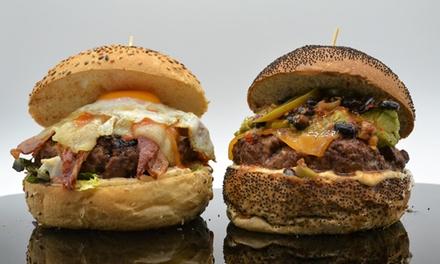Menú de hamburguesas para 2 con entrante, hamburguesa gourmet, bebida y opción a gin-tonic desde 19,95 € en Mamy Ildy
