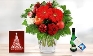Blumenhaus Ehrend: Weihnachtlicher Blumenstrauß mit individueller Grußkarte, Lindt Schokolade und Piccolo von Bluvesa (44% sparen*)