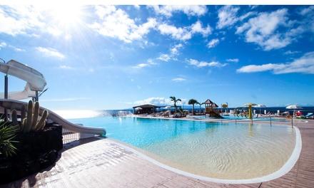 Día de piscina con hamacas y sombrilla para 2 o 4 personas en Oasis Los Gigantes (hasta 37% de descuento)