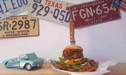 Spezial Burger mit Fries für 2 oder 4 Personen in Leslies American Diner (bis zu 40% sparen*)