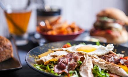 Dîner avec entrée, plat, dessert à la carte et boissons pour 2 personnes à 44,90 € chez Le Coq De Guyenne