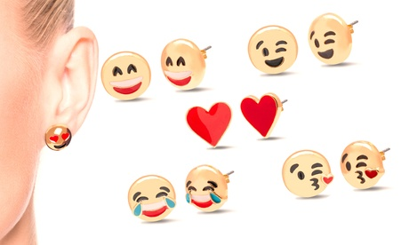 Hasta 7 sets de pendientes con diseño emoji