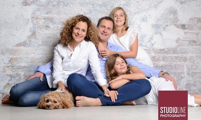 Family Fotoshooting Inkl Bildern Studioline Photography Groupon