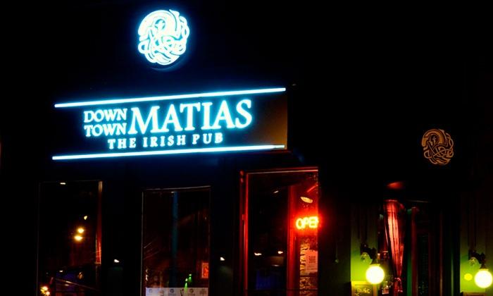 Down Town Matias - CABA: Desde $259 por picada caliente + 4 u 8 lisos de cerveza Schneider para dos o cuatro en Down Town Matías