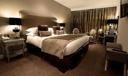 Oxfordshire:  4* Executive Room Stay for Two with Golf or Spa