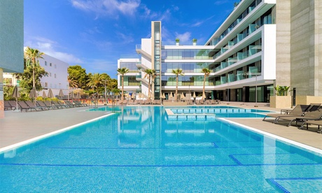 Santa Ponsa: habitación doble Superior para 2 personas con media pensión en H10 Casa del Mar 4*