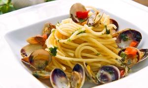 Un Posto Al Sole: Pranzo o cena di pesce con 2 Antipasti, Primo, secondo, dolce e bottiglia di vino a scelta a Lido di Jesolo