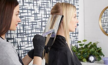 Shampoing, coupe et brushing, option couleur ou mèches, dès 19,90 € au salon Les ciseaux bleus