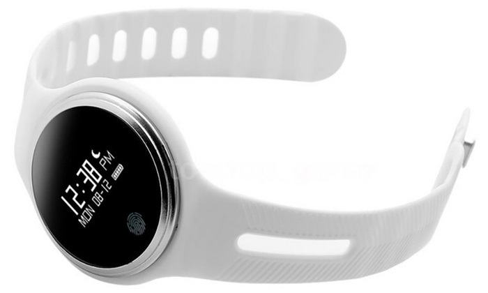 Smartwatch E07 mit OLED-Display und zahlreichen Funktionen | Groupon Goods