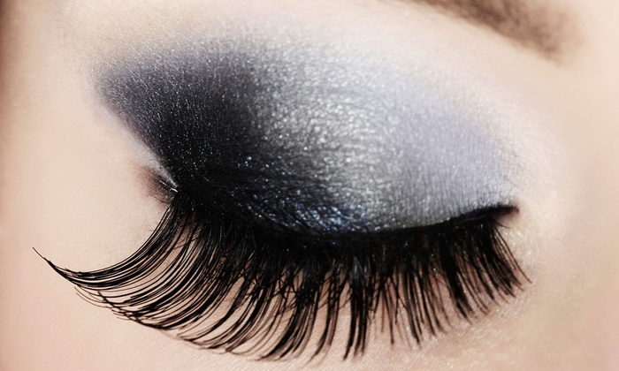 Ultimate Lash and Brow - Ultimate Lash & Brow: Mascara Look or Diva Look Regular or Mink Eyelash Extensions at Ultimate Lash and Brow (Up to 82% Off)