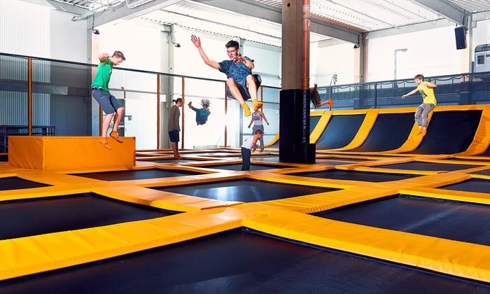 2 Std. Eintritt in den Trampolin Park für 1, 2 od. 4 Pers., opt. mit Ninja Sports Arena, bei Ninfly (bis zu 44% sparen*)