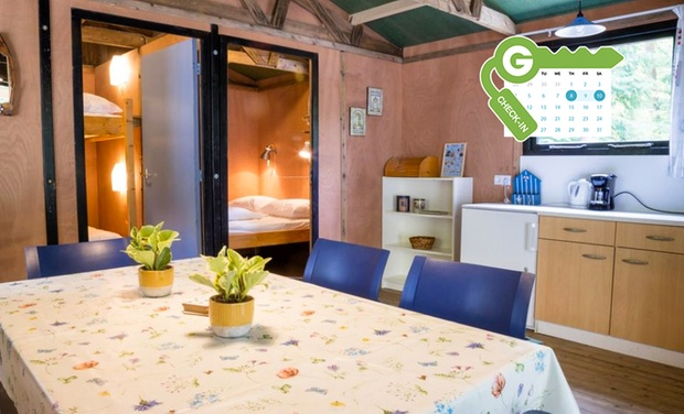 drenthe quirky tiny house oder campingplatz groupon. Black Bedroom Furniture Sets. Home Design Ideas