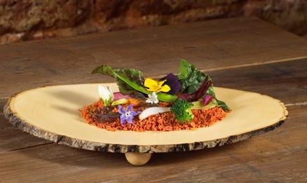 Menú degustación sorpresa para 2 o 4: 6 platos y 2 postres por persona y opción a maridaje desde 74 € en Sergi de Meià