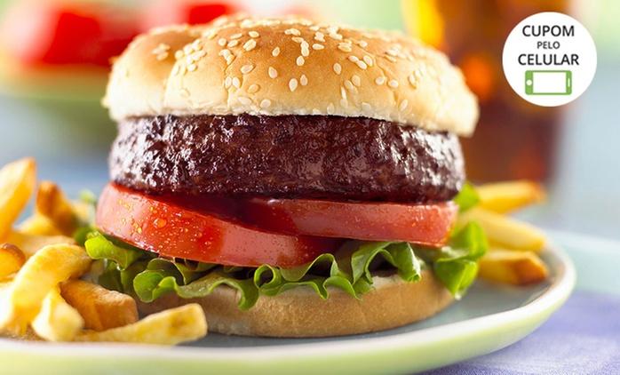 Planet Burger – Taguatinga: 2 hambúrgueres Planet Burguer e 2 fritas